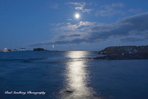 Paul Sundberg took this wonderful photo of a Grand Marais Moonrise.