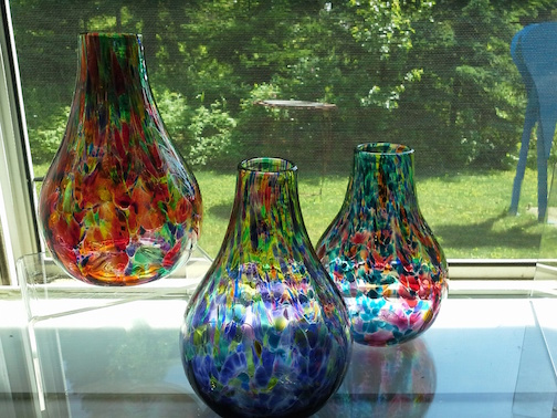 Jewel-like vases by Cecil and Lisa McKenzie are at Last Chance Gallery in Lutsen.