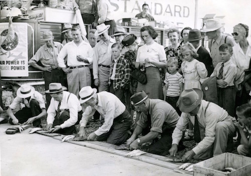 Herring contest at Fisherman's Picnic in 1948. Photo courtesy of the Cook County Historical Society.
