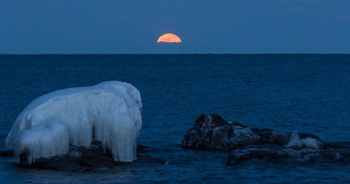 Fuil Moon Rise over Lake Superior by Thomas Spence.