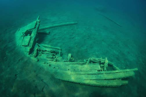 A section of the Liberty shipwreck on the west side of the Grand Marais harbor by Christian Dalbec.