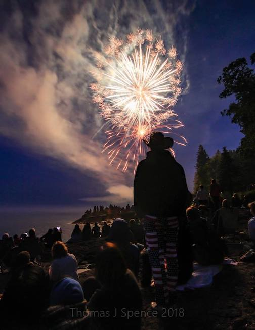 4th of July in Tofte by Thomas Spence.