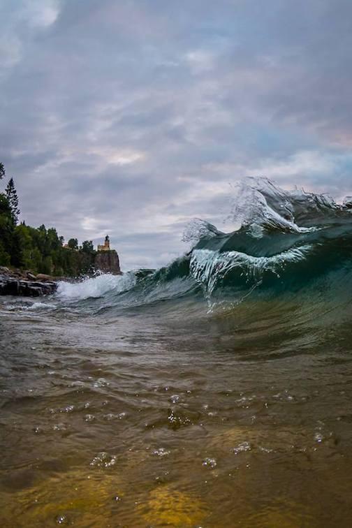 Super wave at Split Rock.