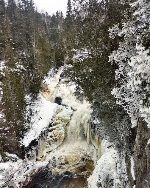 Morning hike at Devil's Kettle by Chelsea Pusc.