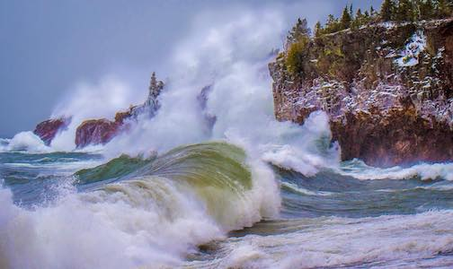 Lake Superior was showing its strength today by Dustin Lavigne.