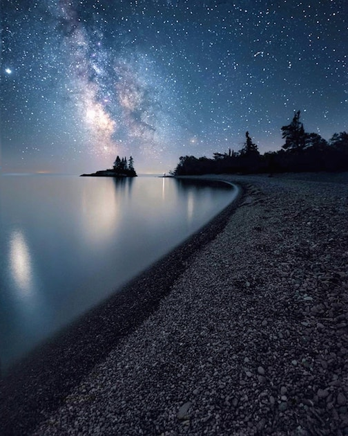 There's something about those starlit nights along the North Shore ... Photograph by Justin Vrbo.