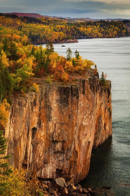 The towering cliffs of Tettegouche by Manasi Chaphalkar.