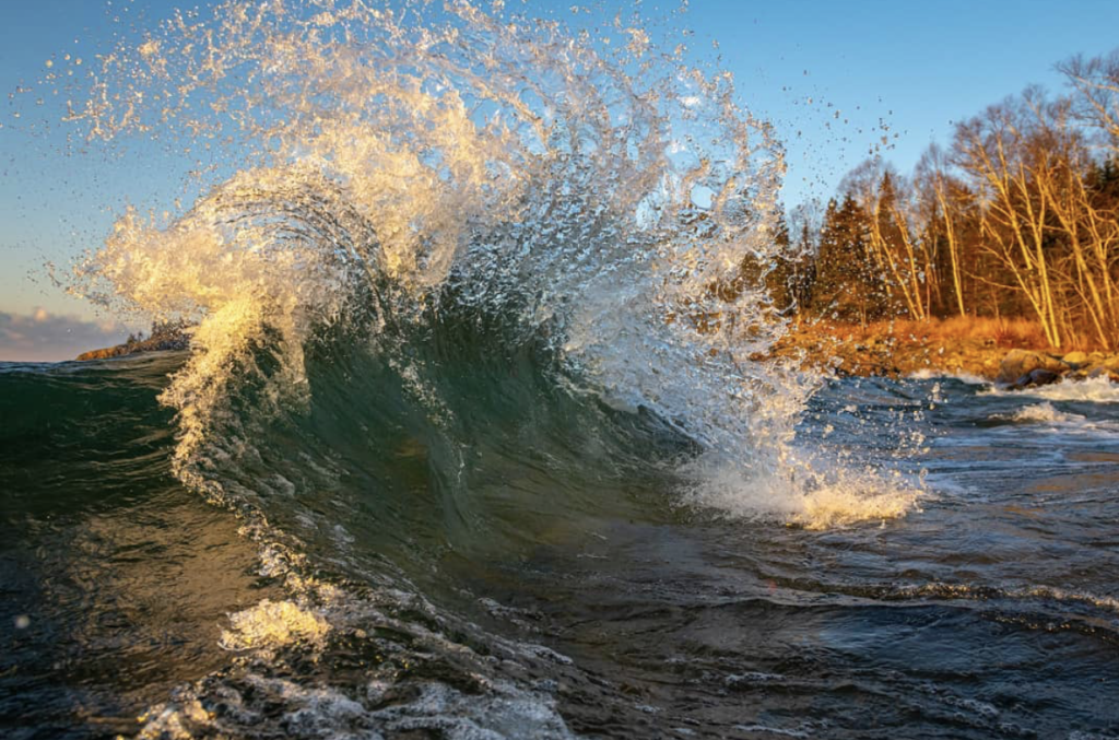 Waves in October by Christian Dalbec.