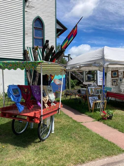 The open-air gallery at Betsy Bowen's Studio is open, Thursday through Sunday, 11 a.m. to 5 p.m. Come to the door and ring the mini dinner bell.